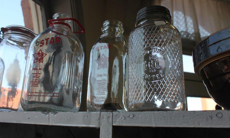 Blog_town_antiques_jars_IMG_2021
